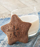 Star-shaped gingerbread cake Royalty Free Stock Photography