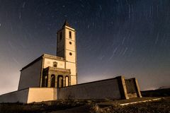 Star trail en la Iglesia de las Salinas royalty free stock photography