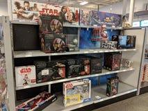 Star Wars y otros juguetes encendido exhiben Best Buy Imagenes de archivo
