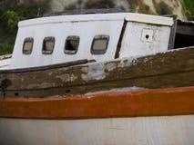 Stara łódź przy schronieniem, Numana, Conero, Marche, Włochy obrazy royalty free