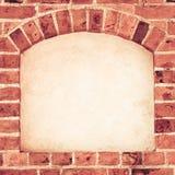 Stara łękowata łuk nisza z kopii przestrzenią w ściana z cegieł tle Zdjęcie Royalty Free