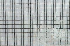 Stara ściana z białymi płytkami Zdjęcia Royalty Free