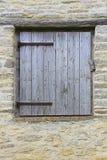 Stara ściana z lągiem, drzwi/ zdjęcia stock