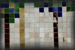 Stara ściana z małymi płytkami zdjęcia royalty free