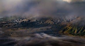 Stara świątynia blisko Mt Bromo [Ciemny brzmienie] Zdjęcie Royalty Free