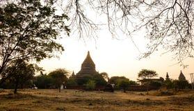 Stara świątynia przy zmierzchem w Bagan, Myanmar fotografia royalty free
