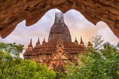 Stara świątynia w równinie Bagan poganin, Mandalay, Myanmar obraz royalty free