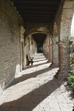 Stara adobe cegła przyklasztorna w ruinach fotografia stock