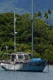 Stara żaglówka przy Savusavu schronieniem, Vanua Levu wyspa, Fiji Obrazy Stock