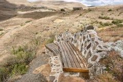 Stara ławka na górze wzgórza Obraz Royalty Free