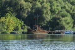 Stara barka wewnątrz Sierpień Zdjęcie Stock