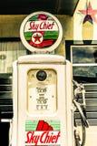 Stara benzynowa pompa daleko Route 66 zdjęcie royalty free