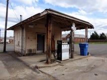 Stara benzynowej staci pompa zdjęcia royalty free