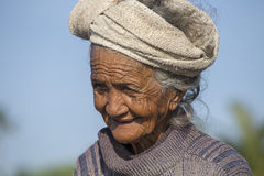 Stara biedna kobieta Bali wyspa, Indonezja Obraz Stock