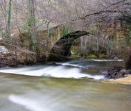 stara brigde rzeka Zdjęcia Royalty Free