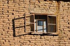 stara cegła ściana okien Fotografia Royalty Free