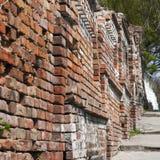 Stara cegła wietrzejąca ściana Obrazy Stock