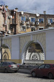 Stara ceglana fasada dom z lotniczy uwarunkowywać Obraz Royalty Free