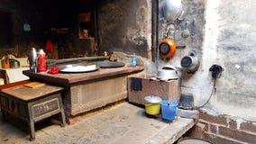 Stara chińska chłopska kuchnia w Shaxi, Yunnan, Chiny zdjęcia stock