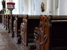 Stara drewniana kościelna ławka w katedrze obraz royalty free