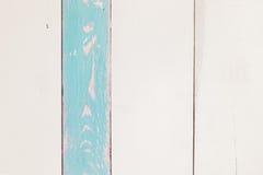 Stara drewniana powierzchnia z białą i błękitną farbą Obrazy Stock