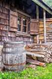 Stara drewniana wino beczka zdjęcia stock