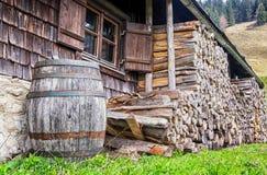 Stara drewniana wino beczka obrazy stock