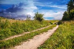 Stara droga gruntowa w polu Zdjęcie Stock