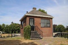 Stara dziejowa śluzy instalacja od rzecznego IJssel miasto Zwolle w holandiach, nowadays używać jako zabytek zdjęcia royalty free