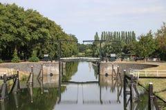 Stara dziejowa śluzy instalacja od rzecznego IJssel miasto Zwolle w holandiach, nowadays używać jako zabytek fotografia royalty free