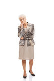 Stara elegancka dama ma jej rękę pod podbródkiem. Obraz Stock