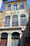 Stara fasada z płytkami łamać Obrazy Royalty Free
