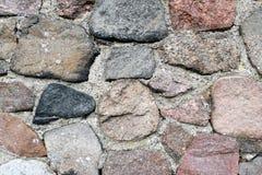 Stara fieldstone ściana śródpolne skały Pełny ramowy tło fotografia stock