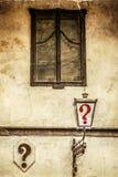 Stara fotografia z znaka zapytania kafana w Belgrade mieście Zdjęcie Stock