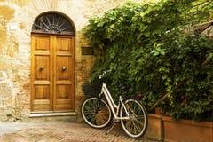 Stara grodzka aleja w Tuscany Fotografia Stock