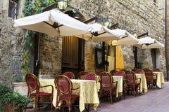 Stara grodzka aleja w Tuscany Obraz Stock