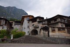Stara grodzka wioska Rango Trentino, wybór jeden piękna wioska w Italy zdjęcie stock