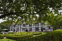 Stara Hall połówka Cembrował budynek w targowym miasteczku Sandbach Anglia Zdjęcia Stock