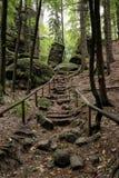 Stara historyczna turystyczna ścieżka do skał Obrazy Royalty Free