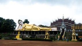 Stara i duża wielkościowa Buddha statuy Tajlandia świątynia Obrazy Stock
