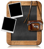 Stara kamera z Blackboard i Pustymi fotografiami ilustracji