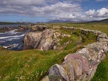 Stara kamienna ściana w Dingle, Irlandia zdjęcia royalty free