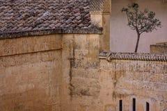 Stara kamienna architektura z ścianą i balkonem Obrazy Royalty Free