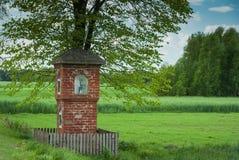 Stara kaplica na drodze Zdjęcia Stock