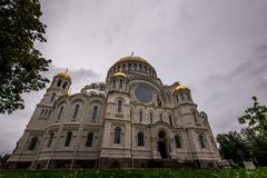 Stara katedra z parkiem Zdjęcie Royalty Free