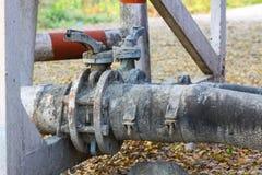 Stara klapa lub brudna klapa w brudnej robocie, Brudna klapa w nafcianej przeniesienie staci Obraz Stock