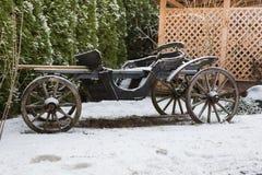 Stara końska fura przy ulicą, antykwarski retro transport Podróży fotografia 2019 fotografia royalty free