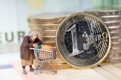 Stara kobieta i euro pieniądze fotografia royalty free