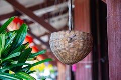 Stara koszykowa tajlandzka stylu domu dekoracja zdjęcie stock