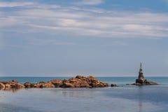 Stara latarnia morska w porcie Ahtopol, Czarny morze, Bułgaria Obraz Stock